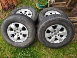 Rodas Hilux aro 16 com pneus