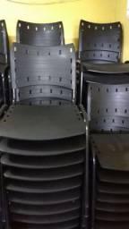 Cadeiras super resistente