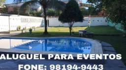 Espaço com piscina na Avenida das Torres
