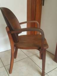 Cadeira Cimo Curva .Vintage.Fabricada em 1940. Décima primeira cadeira da fábrica .