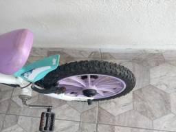 Bicicleta aro 16 em perfeito estado vendo ou troco por aro 26 aceito proposta