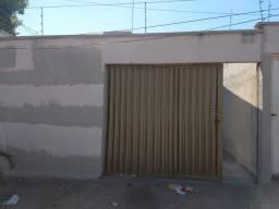 Título do anúncio: Casa 03 quartos no Senador Paranhos em Goiânia