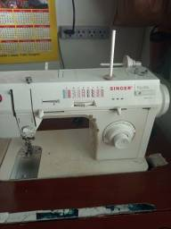 Título do anúncio: Máquina de costura e gabinete