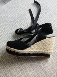 Sandalia plataforma com amarracoes