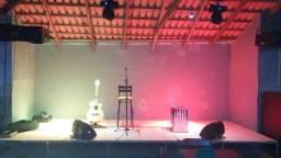 Som, palco, luz e artistas para eventos, confraternizações e palestras