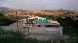 Linda e ampla casa situada em São Lourenço - MG