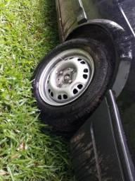 Vendo rodas 13 vw com pneus bons