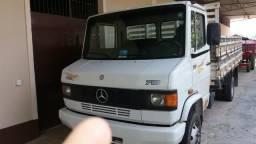 Caminhão MB 710 - 2008 - 2008