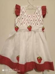 Vestido bordado 1 ano