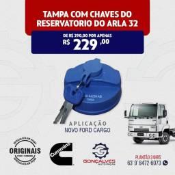 TAMPA COM CHAVES DO RESERVATÓRIO DO ARLA 32