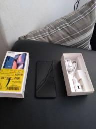Samsung A10 na caixa