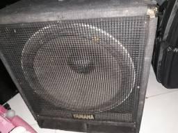 Subwoofer Yamaha 18'