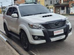 Toyota Hilux SW4 3.0 TDI 4x4 SRV 7 Lugares 2014/2015