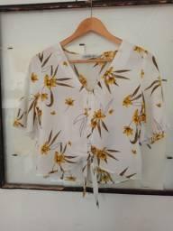 Título do anúncio: Blusa branca floral