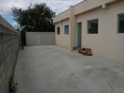 Título do anúncio: Alugue linda casa 2qts - Portas em blindex - Rua mangueiras - Colonial