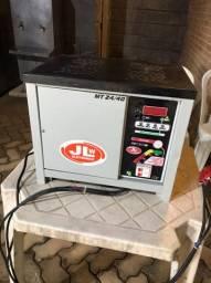 Carregador de bateria JLW 24/40 sem uso. Comprada em 2014.