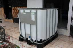 Tanque de Plástico de 1,000 litros IBC nunca usado