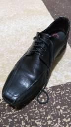 Sapato democrata maaculino novinho 42