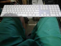 Teclado original Apple com 2 USB