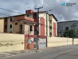 Apartamento com 3 dormitórios para alugar, 63 m² por R$ 1.209,00/mês - São Gerardo - Forta