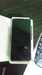 Vendo celular lgk22+ por $800 ou troco  por um celular mais barato e recebo $500 de volta