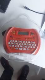 Maquina etiquetadora  para demarcação de quadro elétrico