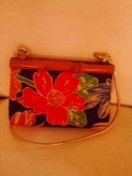Bolsa com Estampa de Flor e com Alça Moro em Caruaru