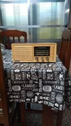 Título do anúncio: Vendo rádio antigo.. funciona perfeitamente