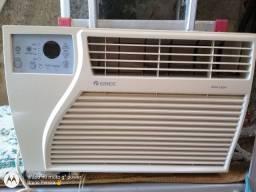 Vendo Ar Gree 7500 BTUs já higienizado e gelando , só instalar e usar.