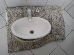 Pia de granito para banheiro com cuba