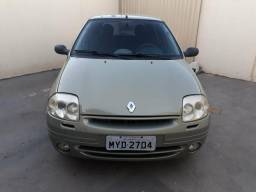 Clio - 2002
