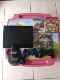 PS3 super slim,3 jogos,2 controles sem fio