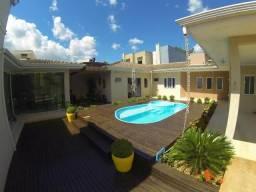 Casa mobiliada com suíte, 3 quartos, piscina, deck - excelente padrão!