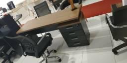 Mesa gaveteiro e móveis em geral