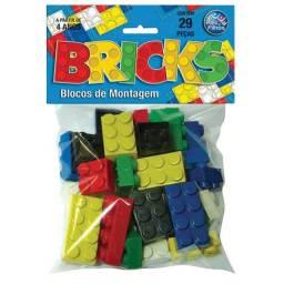BRICKS BLOCOS DE MONTAGEM 29 PEÇAS PAIS & FILHOS<br><br>