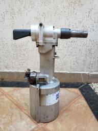Rebitadeira Hidropneumática Avdel 7220, 0,5 polegadas, 8,5 Bar