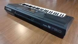 Teclado Yamaha psr750