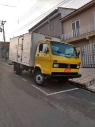 Caminhão Volks 7.90