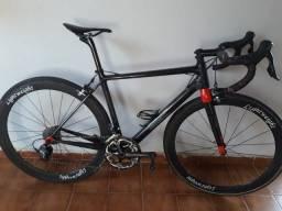 Bicicleta toda de fibra d carbono t1000 . Modelo cervelo rca. OEM