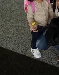 Cardigan Dourado veste 1 2 e 3 anos