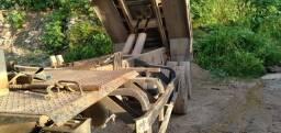 Camião Ford 1618 no chassi carro trabalhando TD certinho preço 57.000 meu zap *53