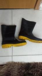 Bota PVC Impermeável Sola Amarela