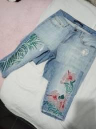 Título do anúncio: Calça jeans bordada