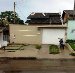 Vendo Casa no Centro de Taquaralto.