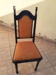 Título do anúncio: Cadeira em madeira almofadada