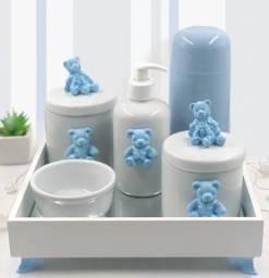 Kit higiene em porcelana, com bandeja e garrafa térmica!