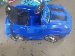 Camaro elétrico azul