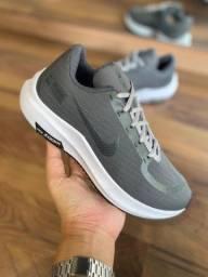 Tênis Nike Zoom Shield - 160,00