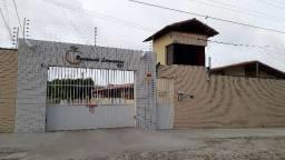 Casa Plana 100m² em condomínio Lagoa Redonda