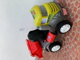 Caminhão infantil Brutus Bandeirantes